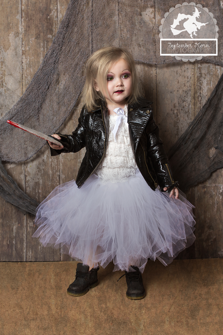 Bride of Chucky Costume Ideas http://stellaween.com/blog/day-26-2012-bride-of-chucky/